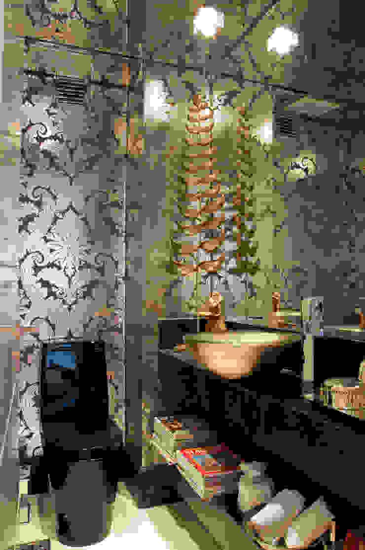 Cliente G Banheiros clássicos por Link Interiores Clássico