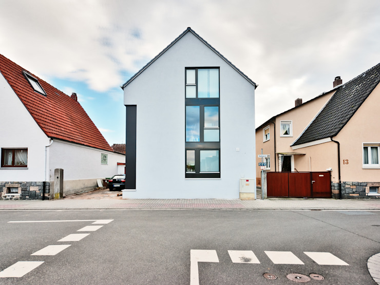 Box House - Single Family House in Lorsch, Germany Moderne huizen van Helwig Haus und Raum Planungs GmbH Modern