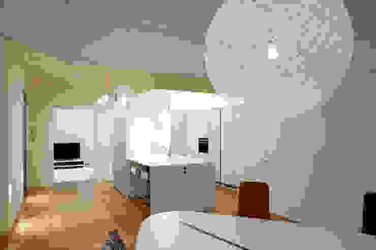 Vivienda Ortega y Gasset.Madrid Cocinas de estilo moderno de Beriot, Bernardini arquitectos Moderno