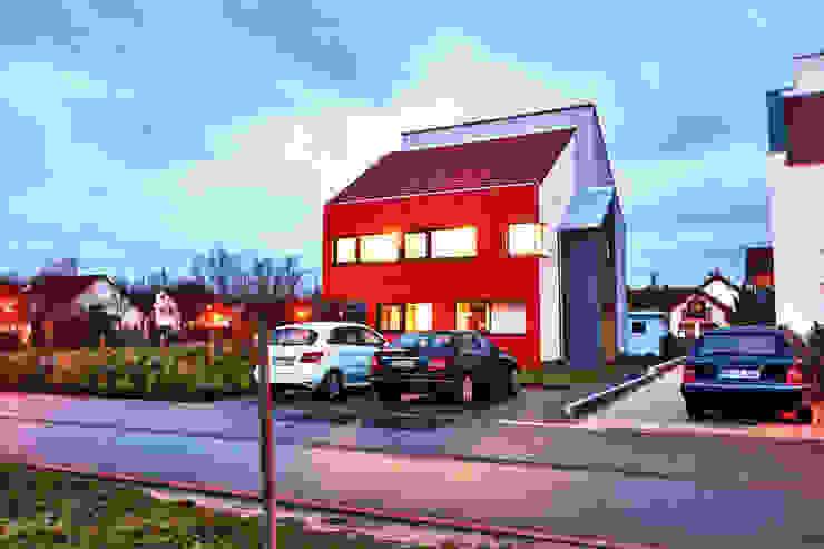 Single Family House in Heppenheim, Germany Moderne huizen van Helwig Haus und Raum Planungs GmbH Modern