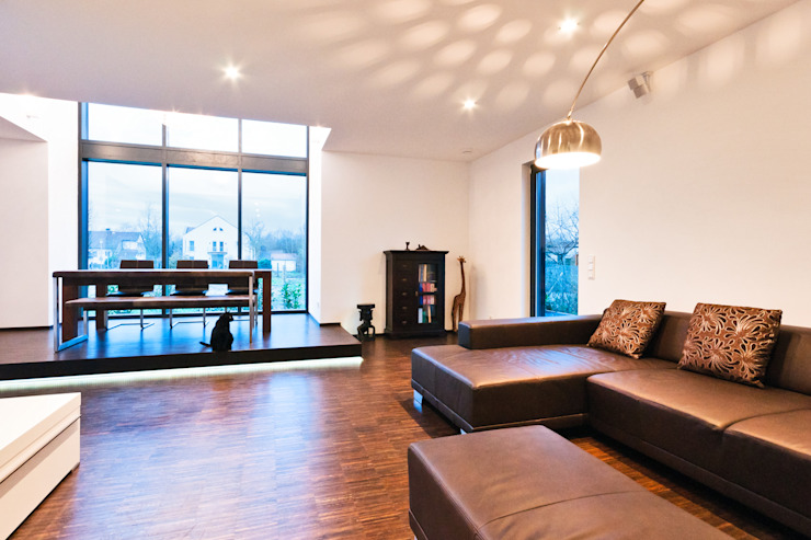 Single Family House in Heppenheim, Germany Modern dining room by Helwig Haus und Raum Planungs GmbH Modern