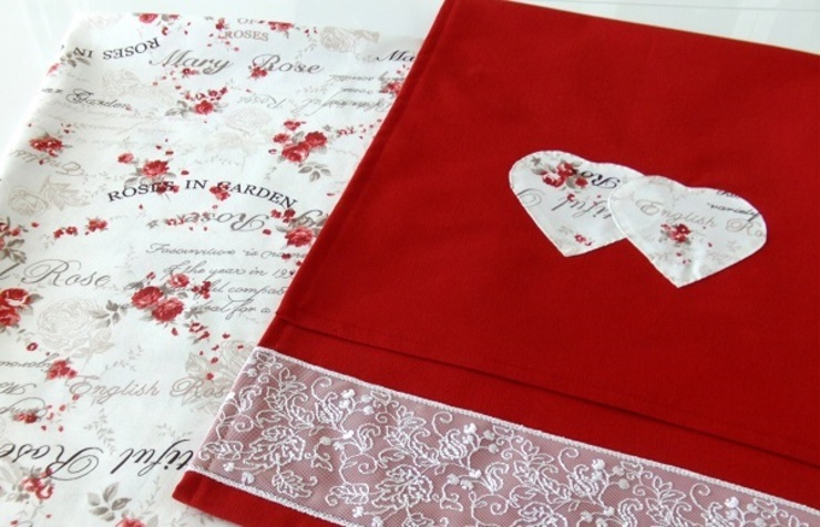 Ceviz El İşleri – Kırmızı çiçekli masa örtüsü: modern tarz , Modern