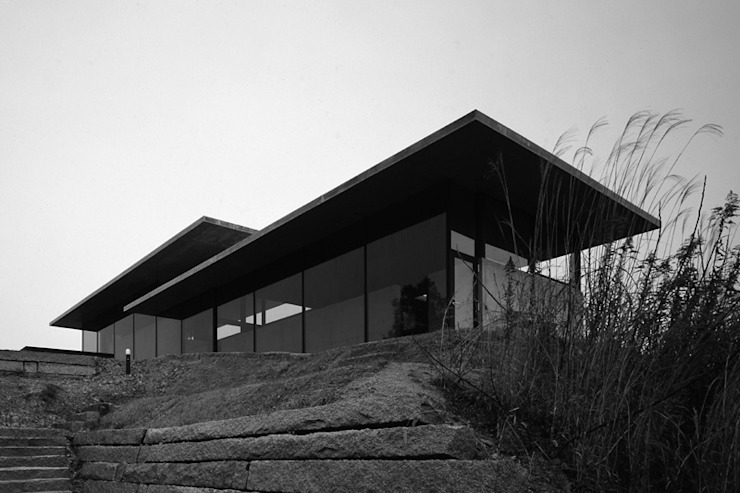 House in Yatakayama 藤本寿徳建築設計事務所 Modern houses