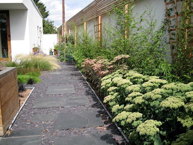 Roof Gardens Classic style garden by Unique Landscapes Classic