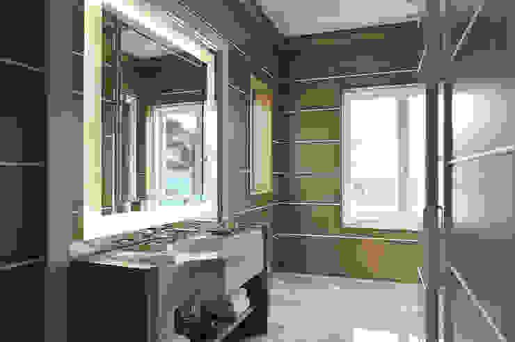 Residenza privata - Palm Beach, Florida - Master bathroom di Ti Effe Esse Interiors Moderno