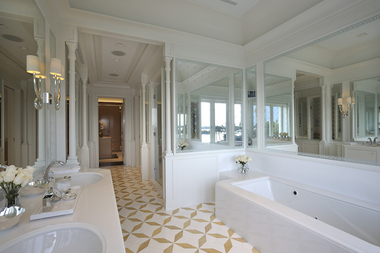Residenza privata - Palm Beach, Florida - Master bathroom di Ti Effe Esse Interiors Moderno