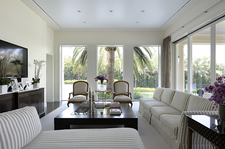 Residenza privata - Palm Beach, Florida - Family room di Ti Effe Esse Interiors Moderno