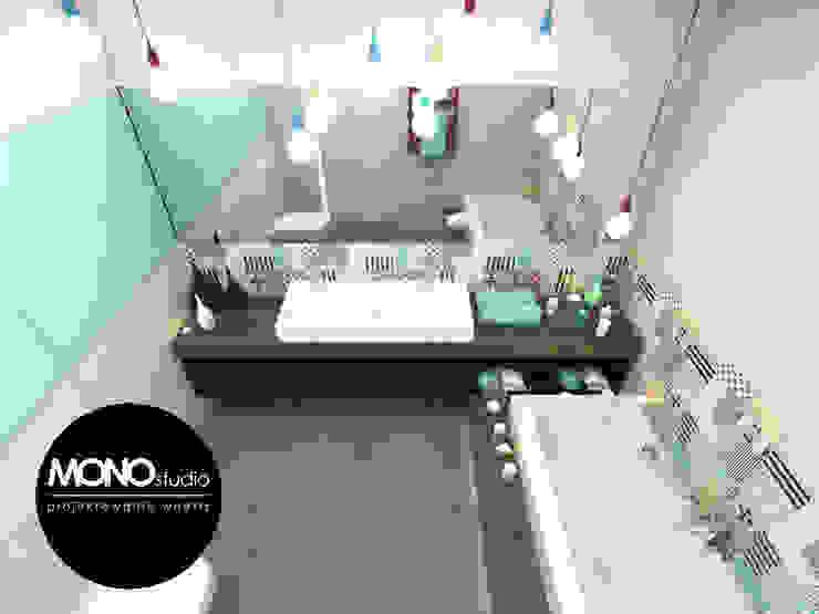 Baños modernos de MONOstudio Moderno