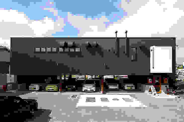 facade モダンなレストラン の カーポス工作所一級建築士事務所 モダン