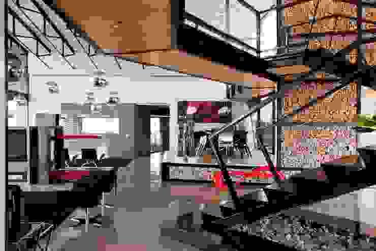 House Tsi Modern Corridor, Hallway and Staircase by Nico Van Der Meulen Architects Modern