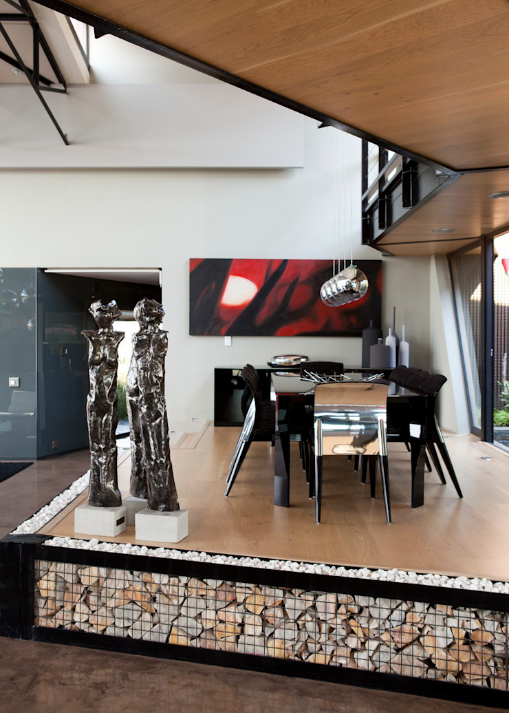 House Tsi Modern dining room by Nico Van Der Meulen Architects Modern