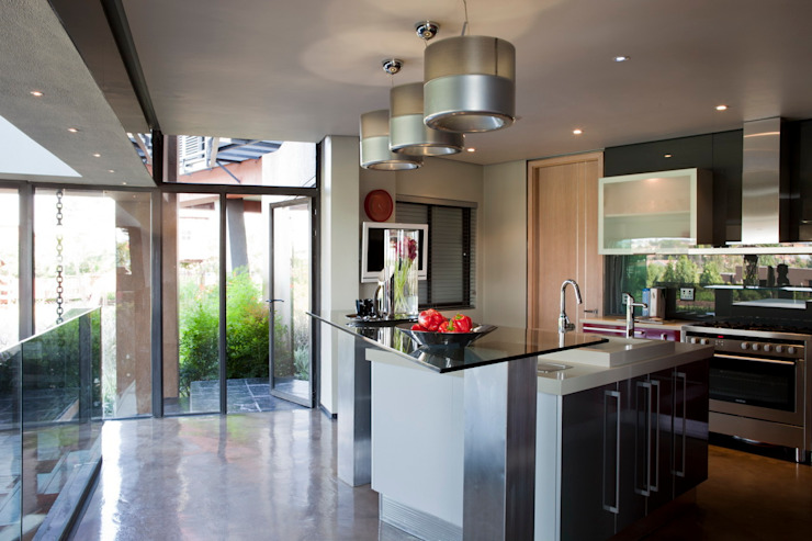 House Tsi Modern kitchen by Nico Van Der Meulen Architects Modern