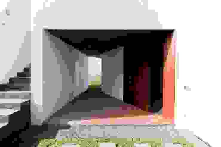 Private House with 2 Studios Casa do Miradouro Casas modernas por Mayer & Selders Arquitectura Moderno