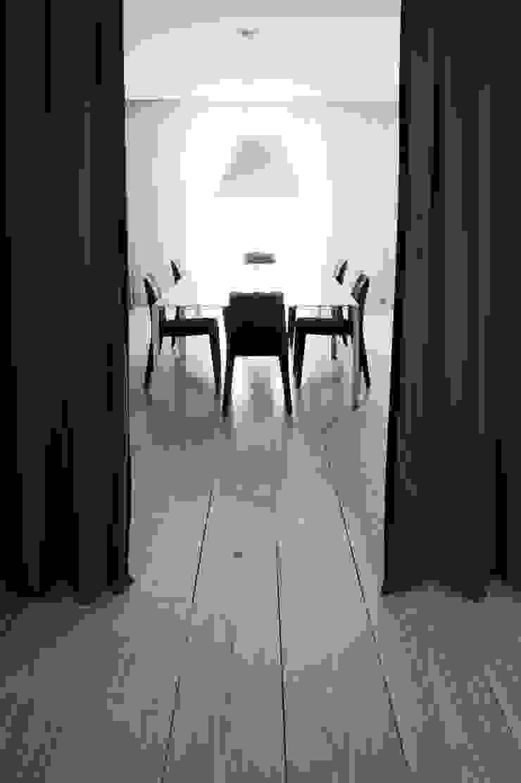 A HOUSE Comedores de estilo minimalista de Vaíllo & Irigaray Minimalista
