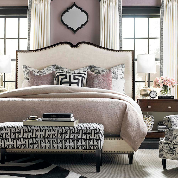 Presidio Upholstered Queen bed: classic  by Royz Furniture, Classic