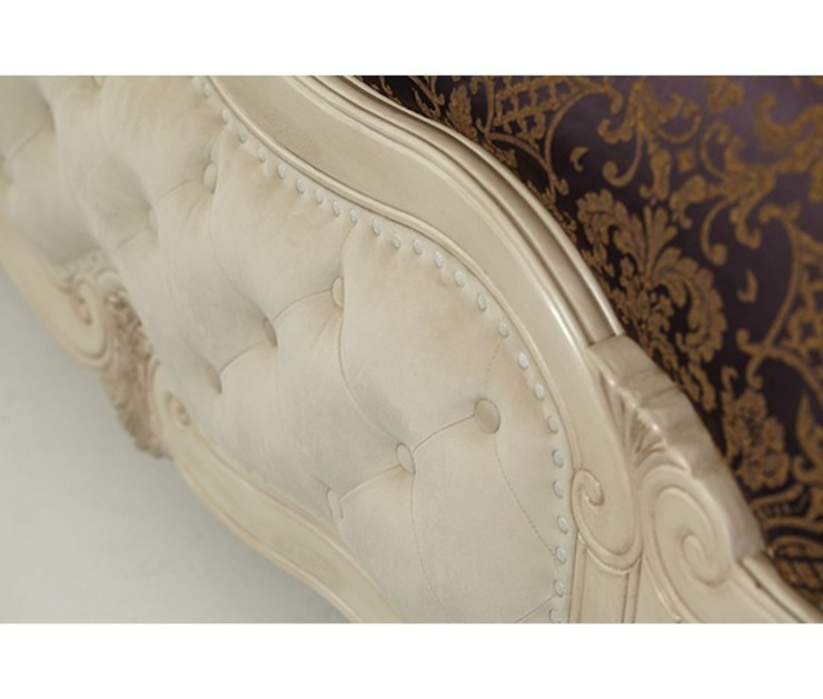 Lavelle King Wing Mansion Bed white: classic  by Royz Furniture, Classic