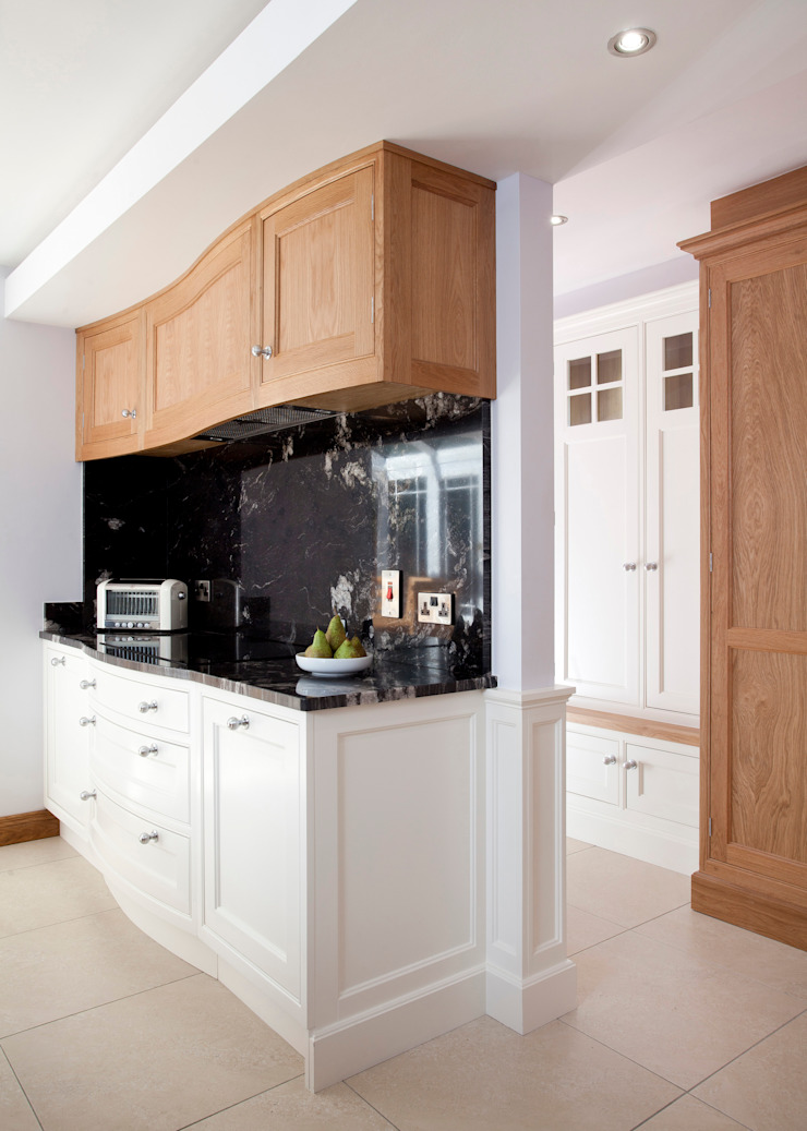 Twisted Kitchen Classic style kitchen by Designer Kitchen by Morgan Classic