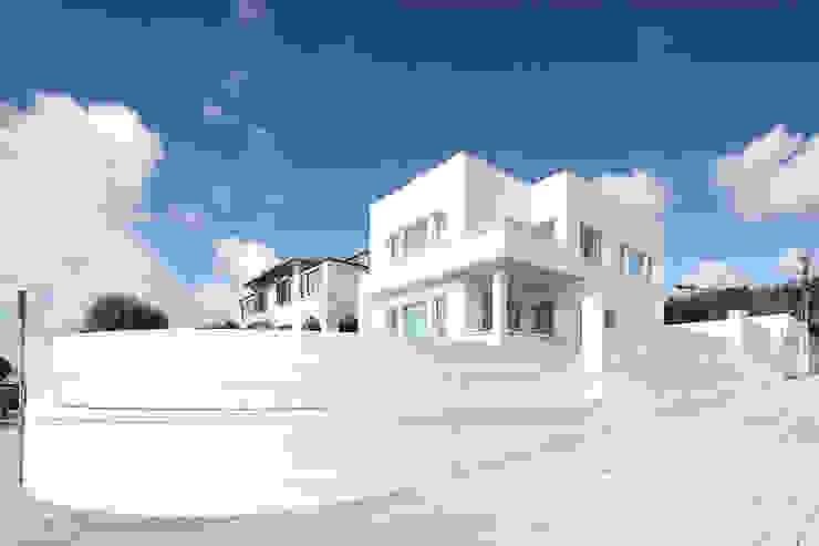 Casas de estilo  por Barbosa & Guimarães, Lda.