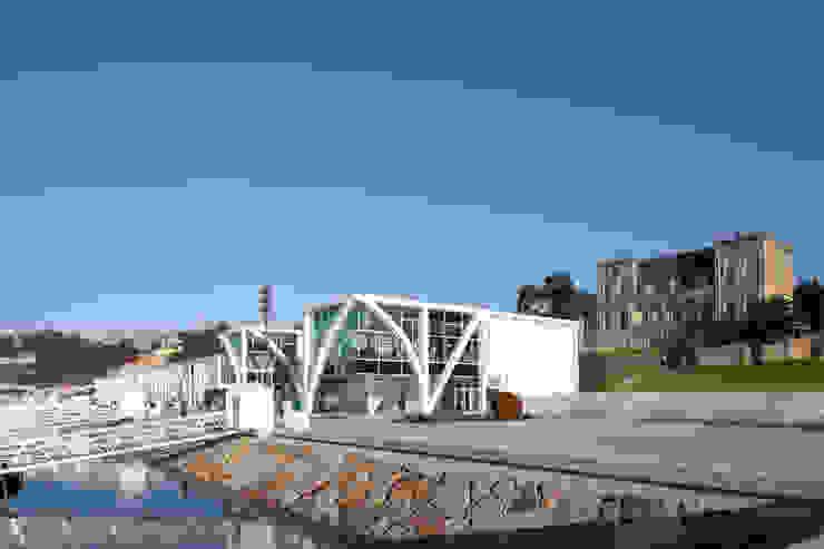 Douro Marina por Barbosa & Guimarães, Lda. Moderno