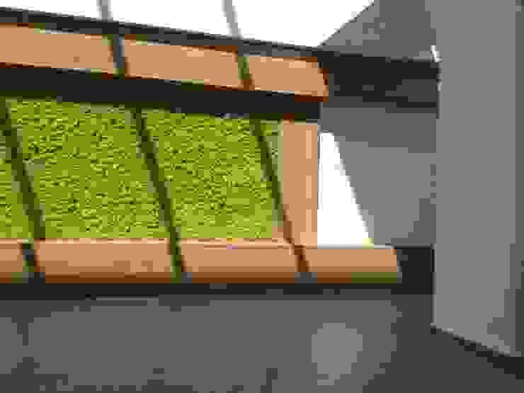 GIARDINO VERTICALE Complesso d'uffici in stile eclettico di Studio Pastore Architettura Eclettico