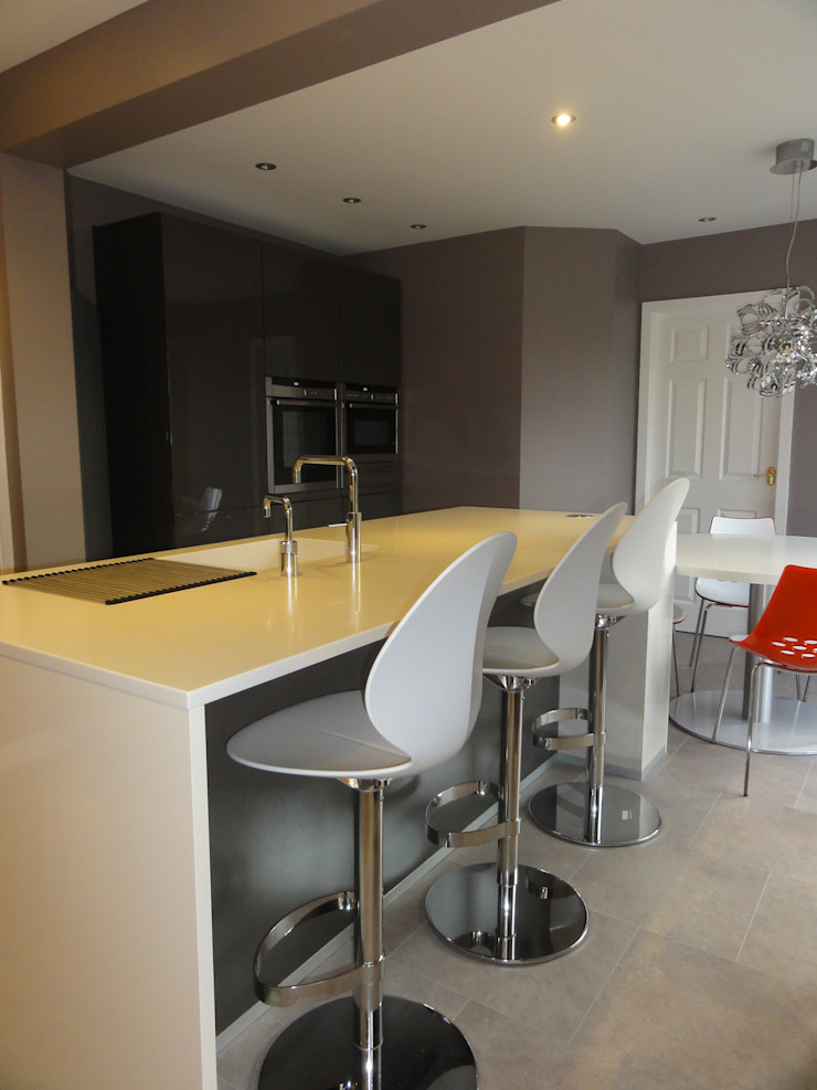 MR & MRS JOHNSTON'S KITCHEN Modern kitchen by Diane Berry Kitchens Modern
