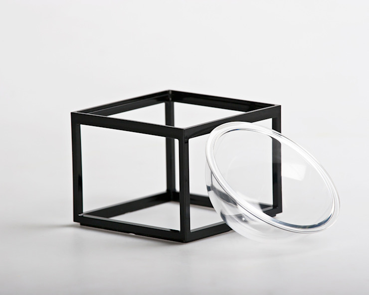 Planet without the <q>E</q> de YU HIRAOKA DESIGN Minimalista