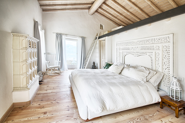 STUDIO PAOLA FAVRETTO SAGL Rustic style bedroom Engineered Wood White