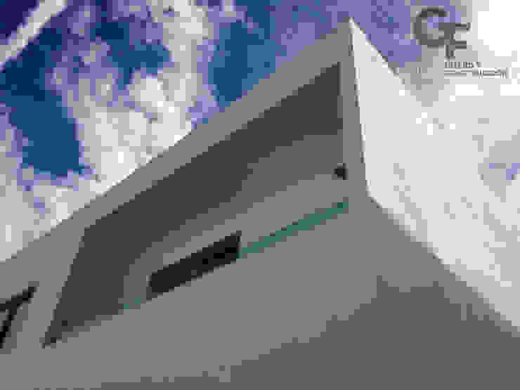 CAROLCO 1 Balcones y terrazas modernos de GF ARQUITECTOS Moderno