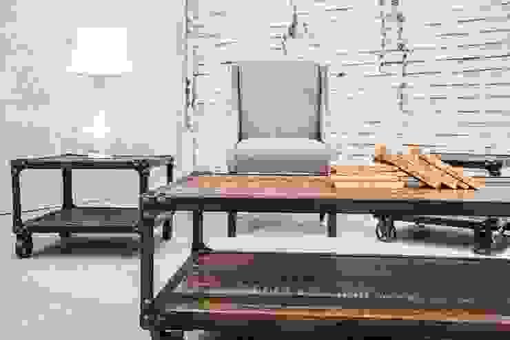 Mesas Denver y sillon Dakota:  de estilo industrial por Consorcio del Toro, Industrial