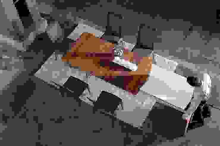 Mesa de diseño de homify Moderno