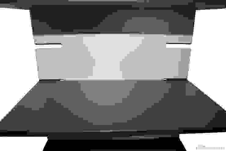 Zack Zack Regal Moderne Ankleidezimmer von falk-raum-design-systeme Modern