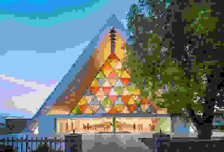 Cardboard Cathedral Christchurch Espacios de 坂茂建築設計 (Shigeru Ban Architects)