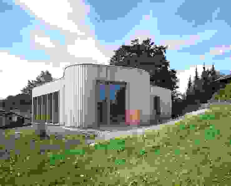 Holzhaus FinsterwalderArchitekten Moderner Garten