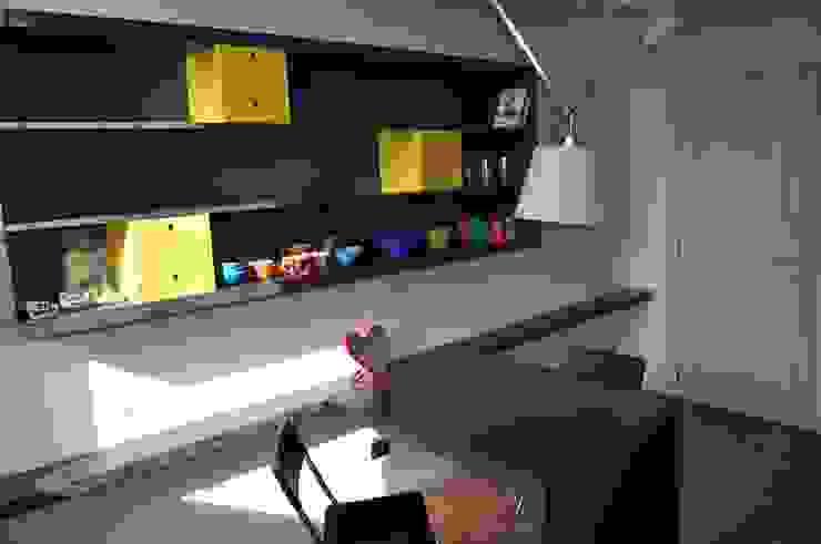 scaffale e tavolo cucina di Rizzo 1830 Moderno