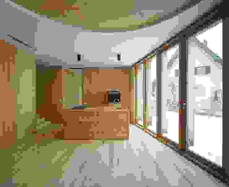 Wohnkücke Moderne Küchen von FinsterwalderArchitekten Modern