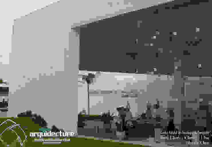 CENTRO ESTATAL DE ONCOLOGÍA DE CAMPECHE Habitaciones de Grupo Arquidecture