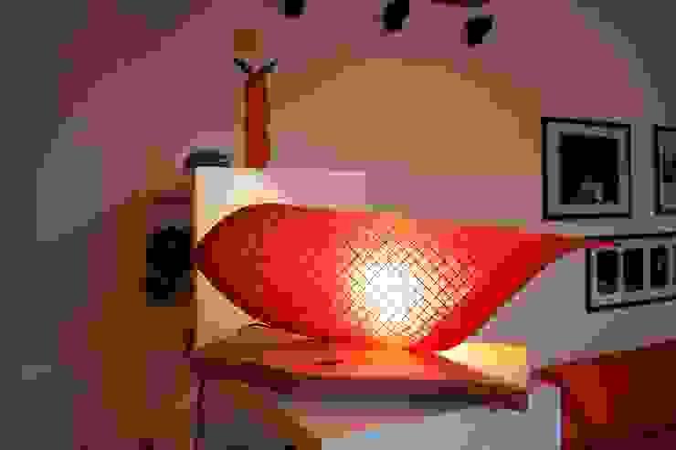 Salas/Recibidores de estilo  por CatturArti design Lab