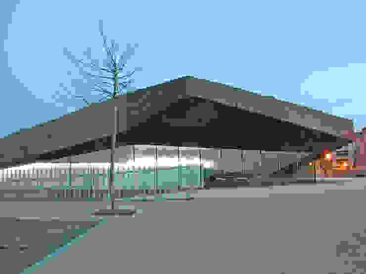 Escuela Infantil en Urduliz [Bizkaia] ® i2G Arquitectos Escuelas de estilo moderno de i2G ARQUITECTOS Moderno