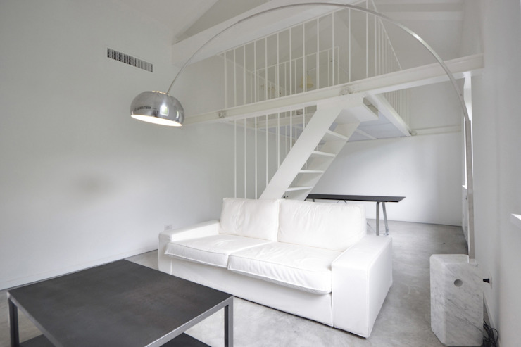 MINI FLAT PARIOLI Soggiorno minimalista di lad laboratorio architettura e design Minimalista