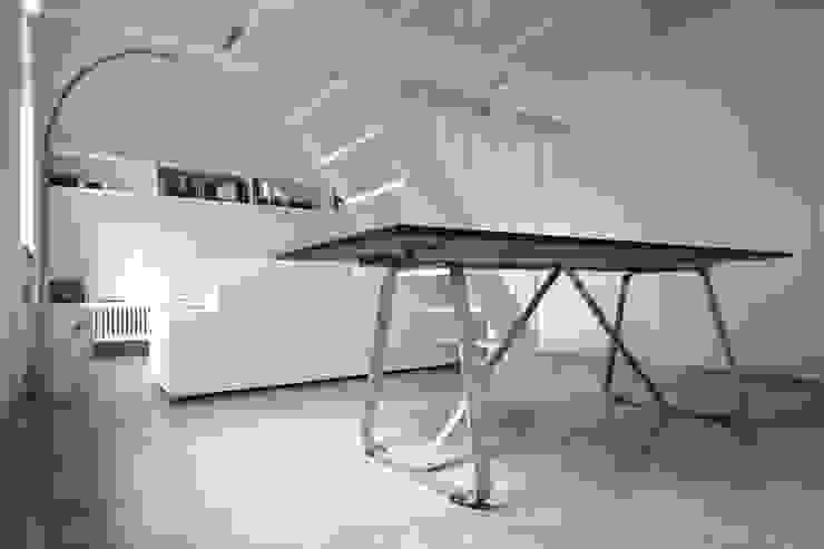 MINI FLAT PARIOLI Ingresso, Corridoio & Scale in stile minimalista di lad laboratorio architettura e design Minimalista
