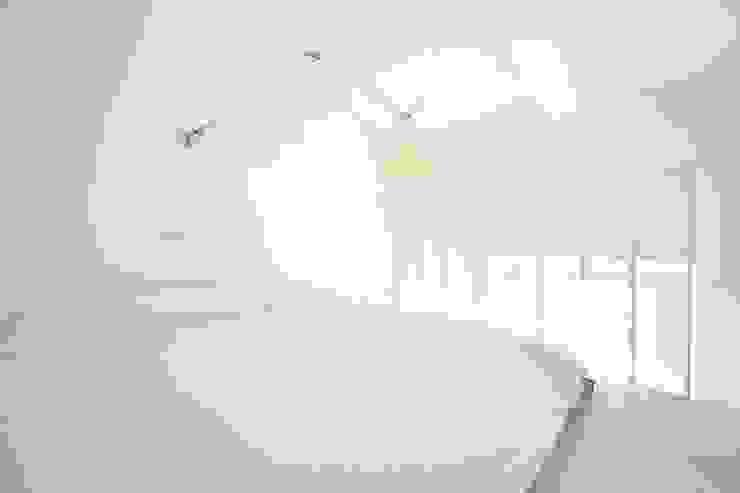 MINI FLAT PARIOLI Camera da letto minimalista di lad laboratorio architettura e design Minimalista