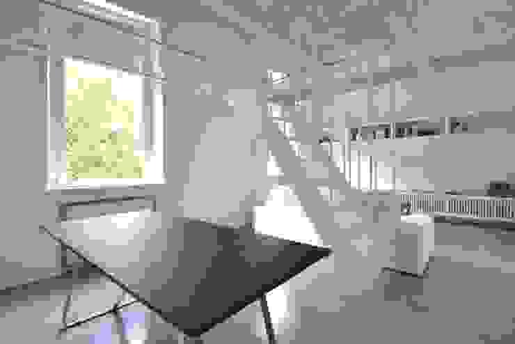Minimalistische Esszimmer von lad laboratorio architettura e design Minimalistisch