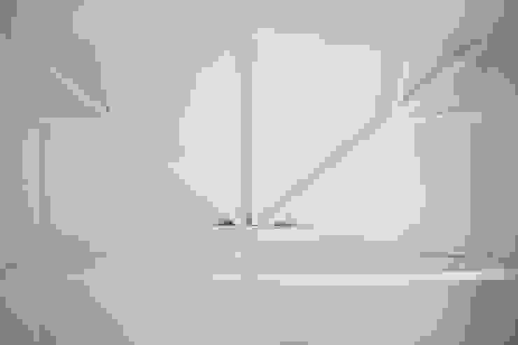 MINI FLAT PARIOLI Pareti & Pavimenti in stile minimalista di lad laboratorio architettura e design Minimalista