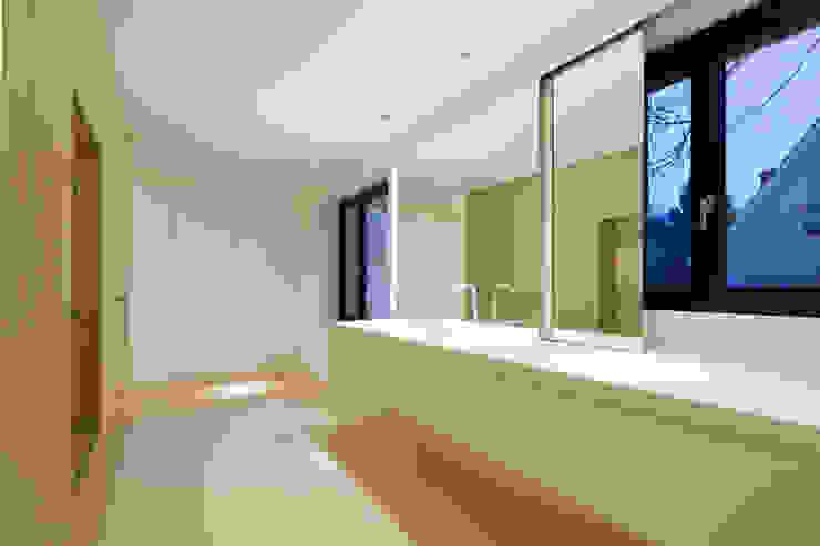 Penthouse Studio Moderne Badezimmer von Hürlemann AG Modern