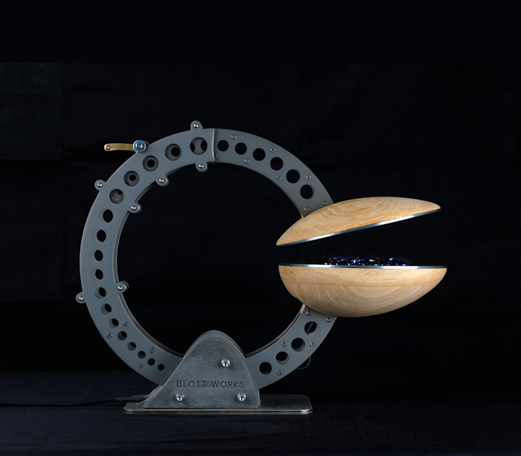 Clamshell Alchemist lamp: industrial  by BLOTT WORKS, Industrial