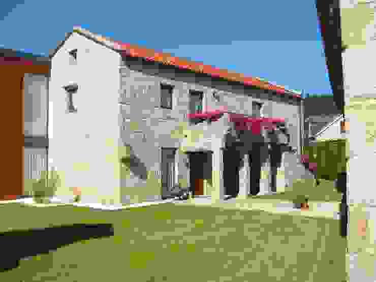 Vivienda en Amoedo, Pazos de Borbén Casas de MUIÑOS + CARBALLO arquitectos