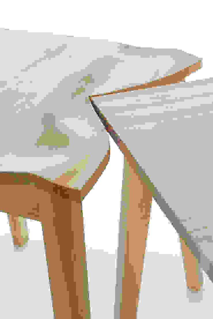 Contorsions, tables choquées par Suzy Lelièvre