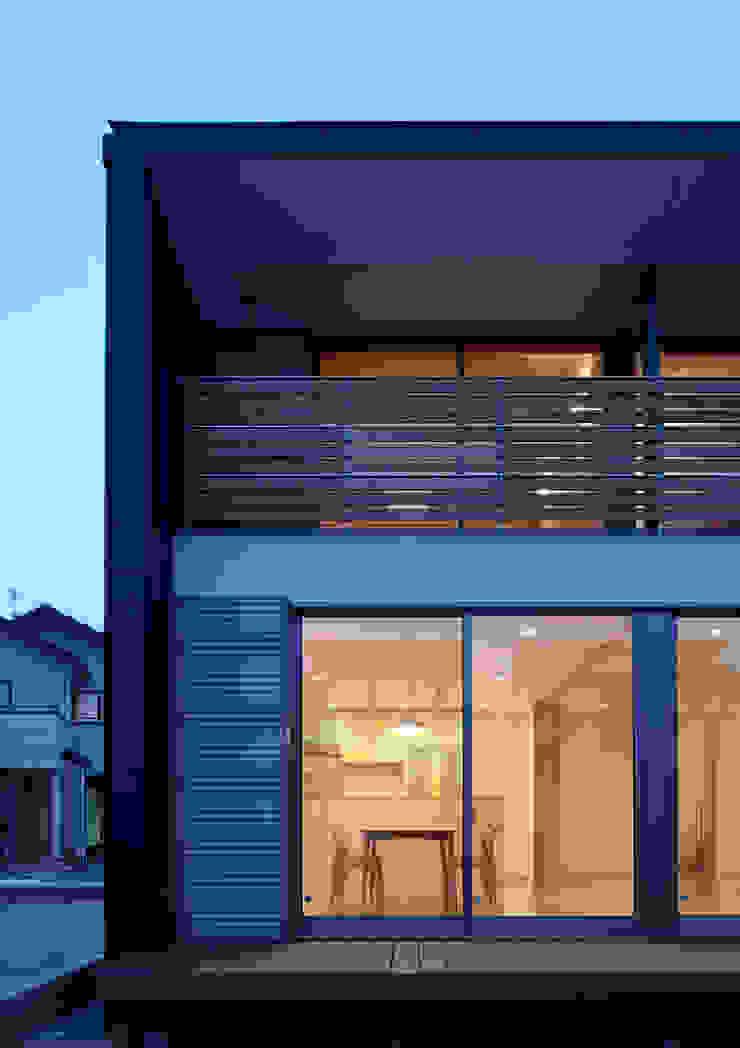 ファサード オリジナルな 家 の Osamu Sano Architect & associates オリジナル