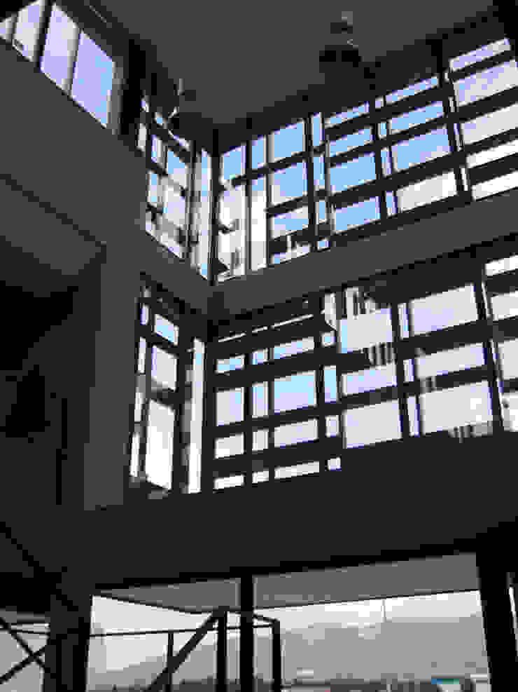 Edificio de oficinas para GI en Porriño Edificios de oficinas de estilo moderno de MUIÑOS + CARBALLO arquitectos Moderno