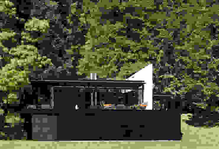 Toy-Box Estudios y despachos de estilo minimalista de grupoarquitectura Minimalista